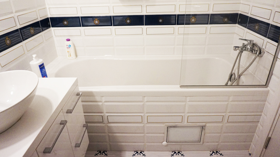 Завършен ремонт на баня със скосен таван в София
