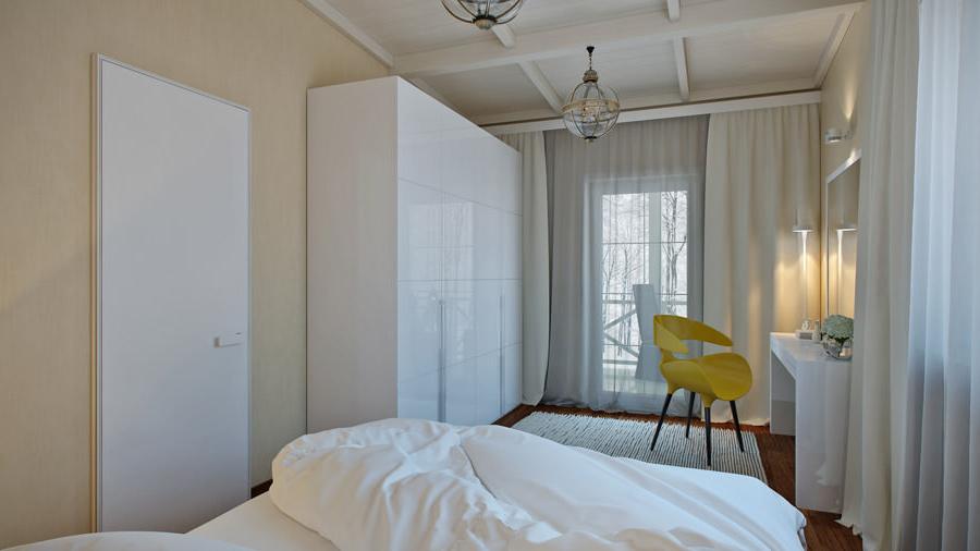 Спалня в светли тонове и бели мебели